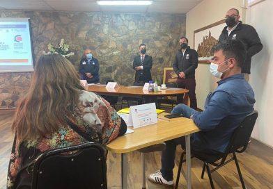 Representantes de la carrera de Nutrición capacitan a empresarios gastronómicos de Andacollo